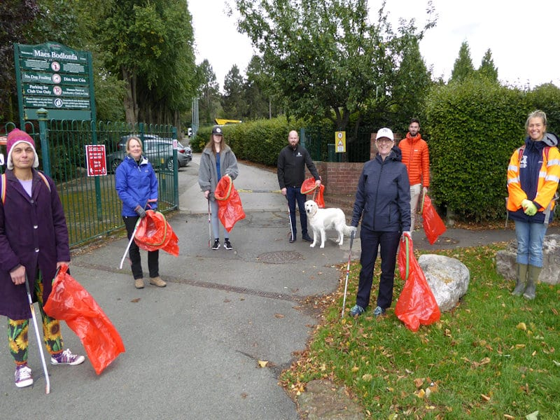 Litter pick group at Mold Town Park 25 September 2020